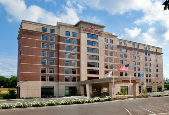 Crowne Plaza Milwaukee West Hotel