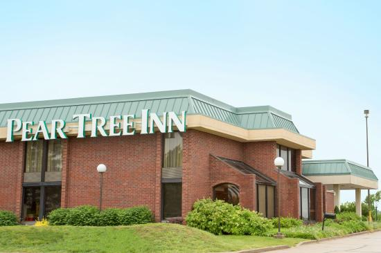 Pear Tree Inn Rolla: Exterior