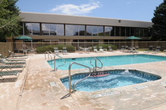 Grand Junction, CO: Outdoor pool and spa