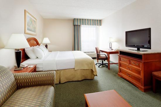New Hartford, Nova York: King Bed Guest Room