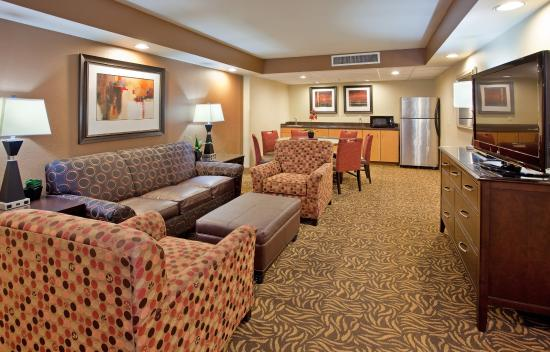 Holiday Inn Kearney: Hospitality Suites Can be Booked by calling 308.234.2212