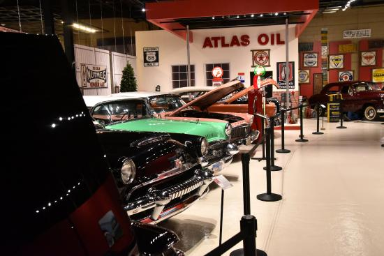 Holiday Inn Kearney: Visit the NEW Classic Car Museum