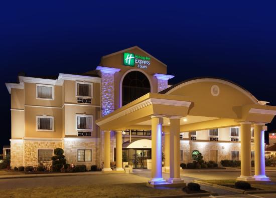 Holiday Inn Express Greenville: Hotel Exterior