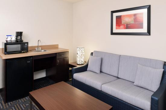 Bessemer, AL: Relaxing Seating are in the Suites at the Holiday Inn Express