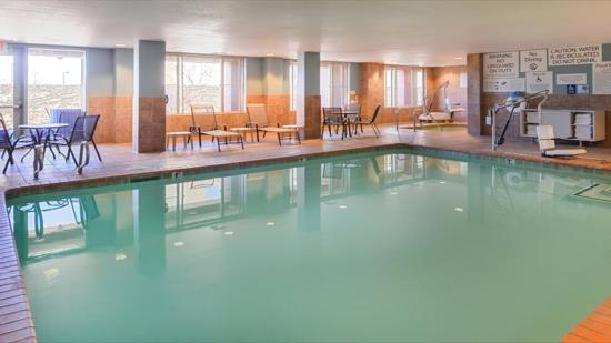 Sacramento Holiday Inn Express Woodland Swimming Pool