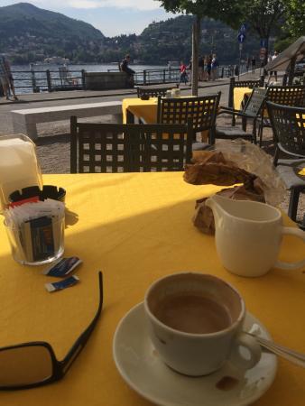 Coffee break in Como