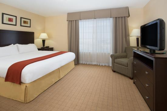 Englewood, CO: One Bedroom King Suite Bedroom