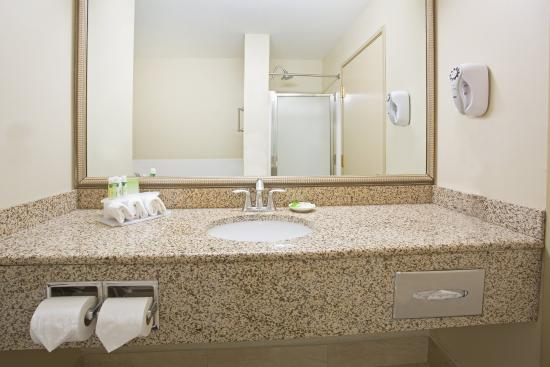 Englewood, CO: Suite Guest Bathroom with tub and shower