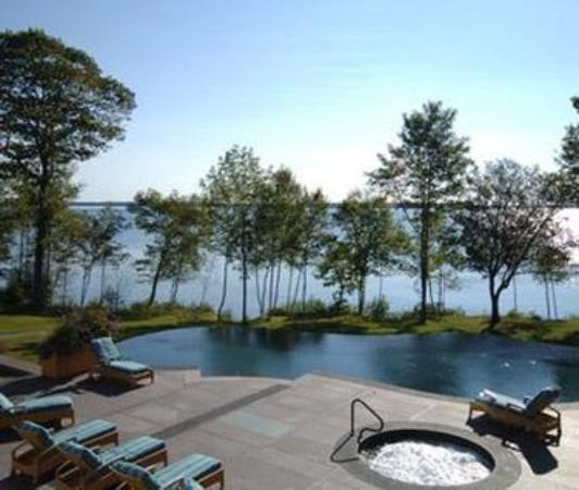 Lincolnville, ME: Pool view