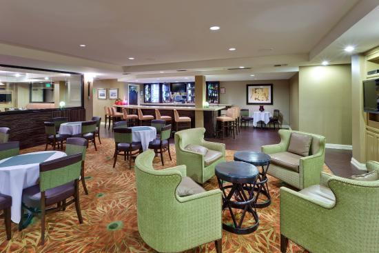 Bar & Lounge at Holiday Inn Hotel Dublin Ballybunion Bar & Grille