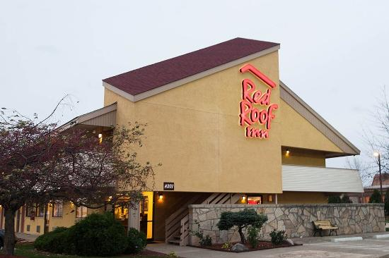 Red Roof Inn Lafayette: Inn Exterior
