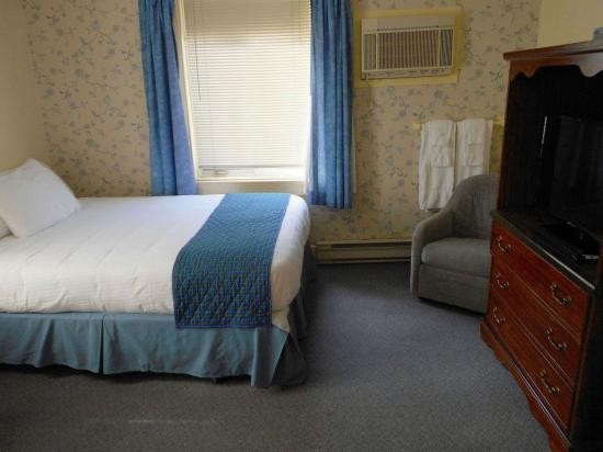 Pictou, Канада: Family room with 3 beds.
