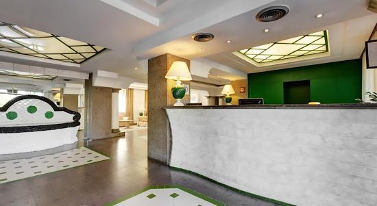Hotel Aris Garden: Hall