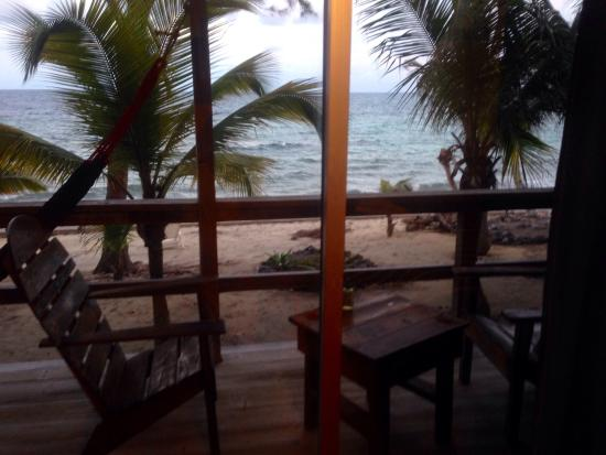 Deep Blue Resort Utila : Our resort room and view from our balcony.