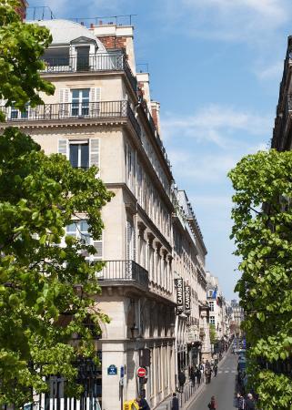 Hotel Cambon: Street