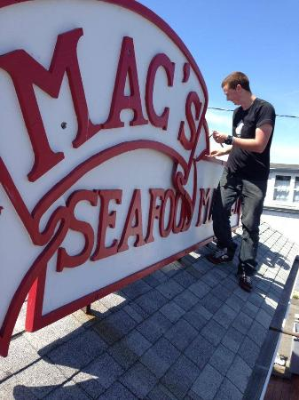 Mac's On the Pier : Opening the Pier