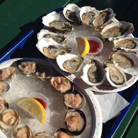 Mac's On the Pier : Oysters & clams on the beach