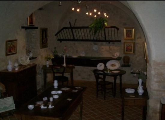 La Bastide-des-Jourdans, Francia: Lovely bed and breakfast located in La Bastide des Jourdans in close proximity to Aix en Provenc