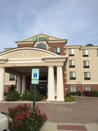 Holiday Inn Express & Suites Marion - Home | Facebook