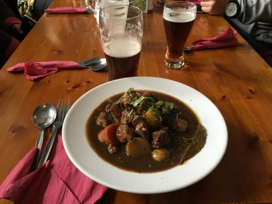 McDermott's Pub: Le Beef Irish à la Guinness, une pure merveille, relevé à souhait et fondant en bouche.