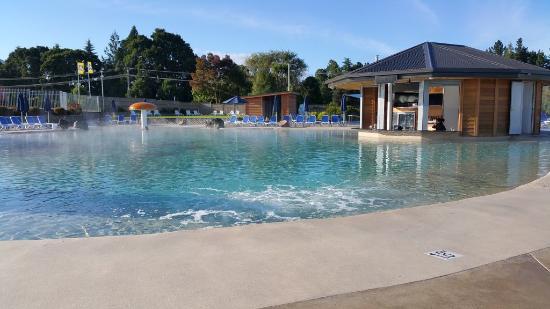 Lake Taupo TOP 10 Holiday Resort: Natural spring water pool
