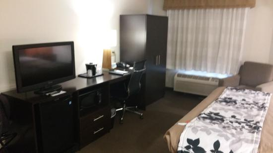 Sleep Inn: Ruime kamer met alle voorzieningen