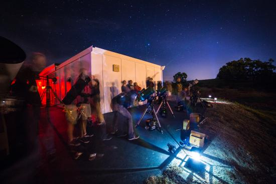 Placerville, Kalifornia: Occasionally a lot of scopes are set up