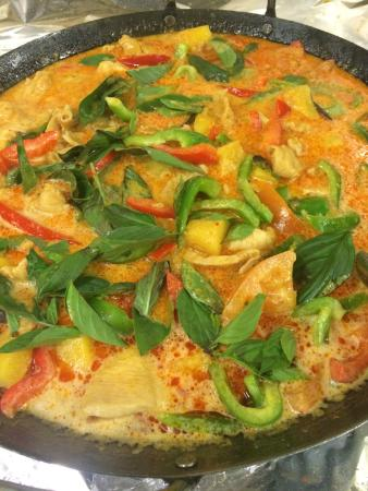Nipomo, CA: Catering Size Red Curry