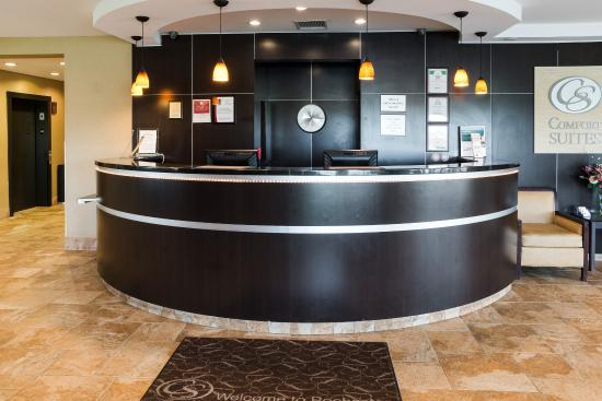 Comfort Suites Rochester: Lobby