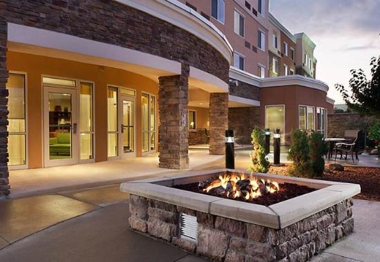 Ankeny, IA: Outdoor Fire Pit