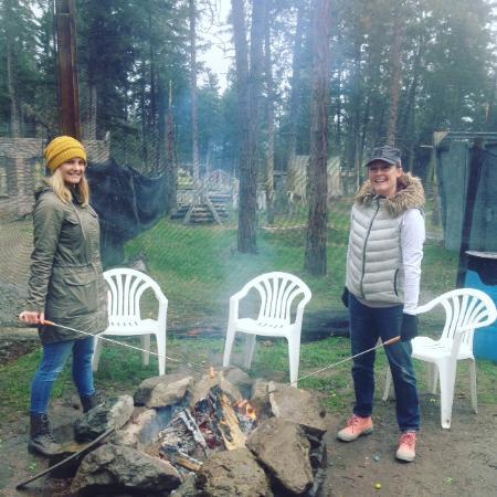 West Kelowna, Canada: Roast your Wienies this weekend