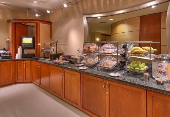 Lehi, UT: Complimentary Breakfast Buffet