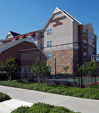 Колледж-Стейшн, Техас: Sport Court
