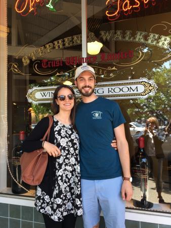 Healdsburg, Californië: Bride and Groom from OKC
