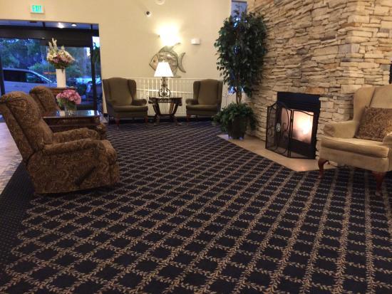 San Leandro, CA: Reception area seating