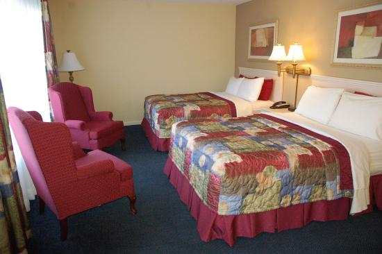 Muldraugh, KY: KING & DOUBLE QUEEN BEDS