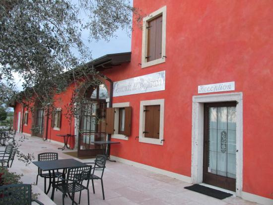 San Pietro in Cariano, Italia: Front of Restaurant