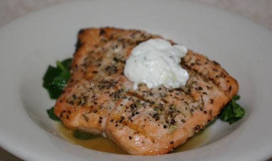 Alton, IL: Salmon