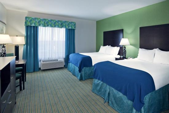 Graham, TX: Queen Bedded Guest Room