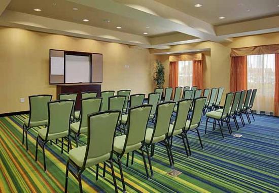 Fairfield Inn & Suites Buffalo Airport: Hawthorn Meeting Room
