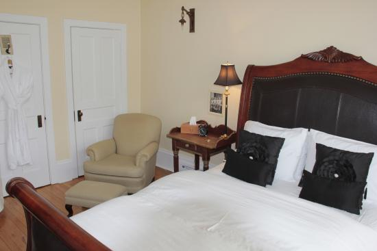 Foto de Grey Gables Inn Bed and Breakfast
