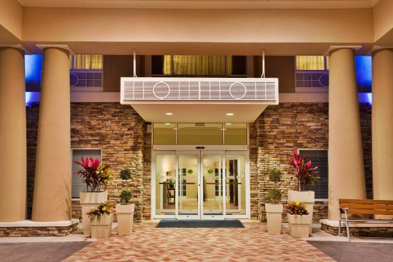 Holiday Inn Express Lake Wales N - Winter Haven: Entrance