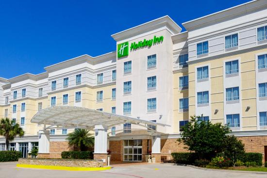 Warm, Sunny Day at Holiday Inn Webster