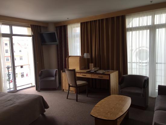 Royal Square Hotel & Suites Bild