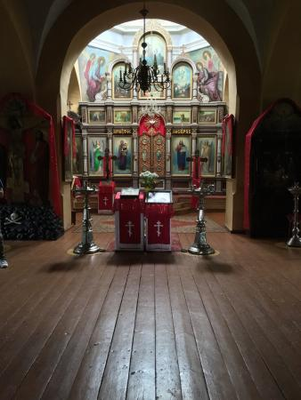 Trakai, Lituania: This is one of the most beautiful churches I've seen. The church is in need of urgent repair. Pl