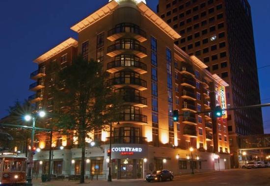 Photo of Courtyard Marriott Downtown Memphis
