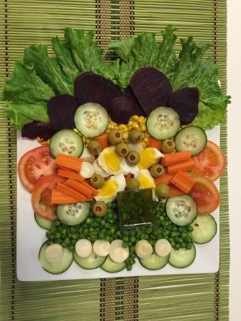 คาร์บอนเดล, อิลลินอยส์: Salad