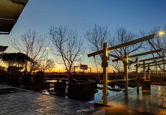 Kempton Park, Afrika Selatan: Exterior