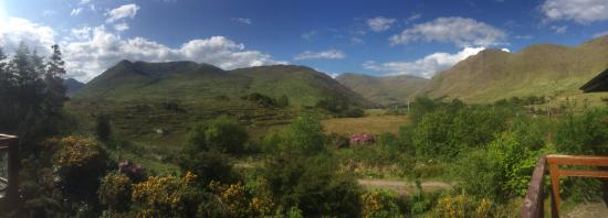 Leenane, Ierland: Not a bad view to wake up to!!