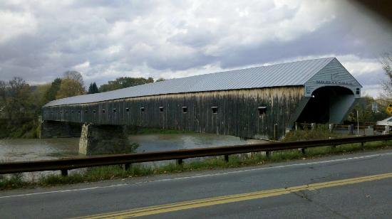 Cornish-Windsor Covered Bridge: Beautiful Covered Bridge
